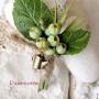 Брошь с зелеными ягодами мастера Наталья Боян. Глина №1 и зеленая глина.