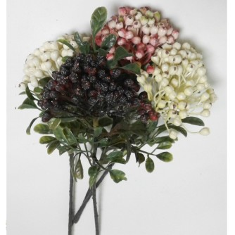ветка ягод (на фото 4 ветки разного цвета)