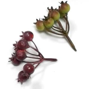 Искусственная зелень #73162 шиповник без листьев (7 ягод)